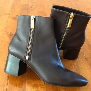 New🎁 MICHAEL Michael Kors ankle boots woman's 7.5